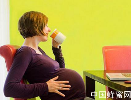 孕妇喝<em>蜂蜜</em>的<em>好处</em> 孕妇不能<em>喝的</em><em>蜂蜜</em>