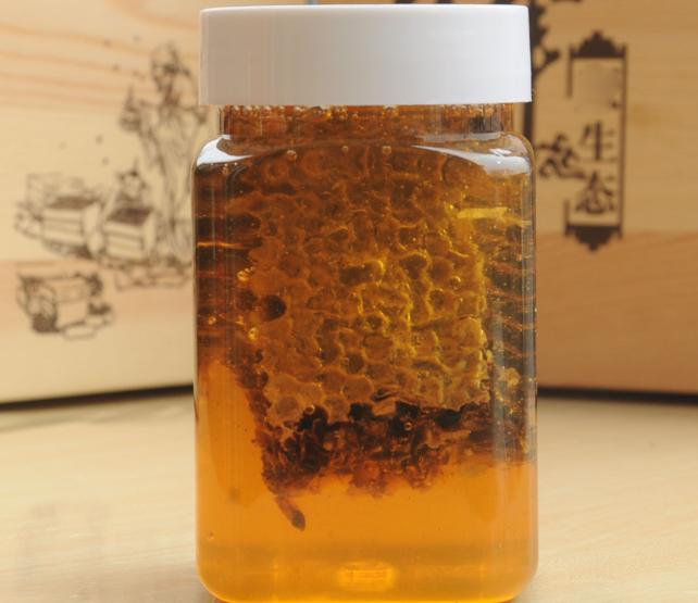 農家蜂場蜂巢蜜巢蜜批發現割蜜脾嚼著吃老巢蜜加蜂蜜500g瓶裝