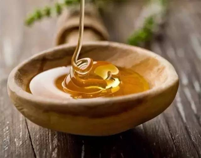 【视频】如何辨别蜂蜜?辨别蜂蜜真假的方法