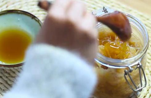 【视频】蜂蜜柚子茶不苦的做法