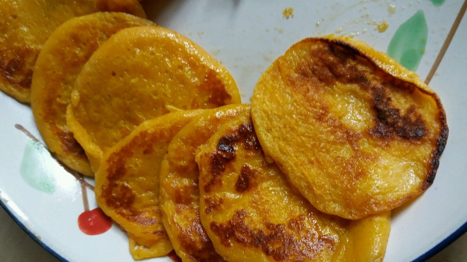 【视频】蜂蜜牛奶鸡蛋饼的制作方法