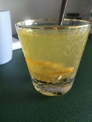檸檬片<em>泡</em><em>蜂蜜</em><em>怎樣</em><em>泡</em>?檸檬能喝<em>蜂蜜</em>一起<em>泡</em>水嗎?