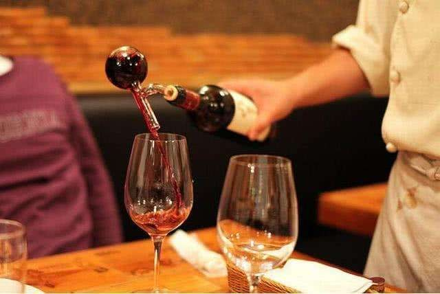 <em>紅酒</em><em>蜂蜜</em><em>面膜</em><em>的</em><em>禁忌</em>,<em>紅酒</em><em>蜂蜜</em><em>面膜</em><em>一周</em><em>幾次</em>?