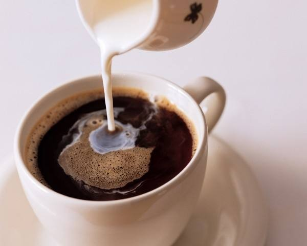 <em>咖啡</em><em>里加</em><em>蜂蜜</em><em>能<em>喝吗</em></em>?<em>蜂蜜</em><em>可以</em><em>配</em><em>咖啡</em><em>喝吗</em>?
